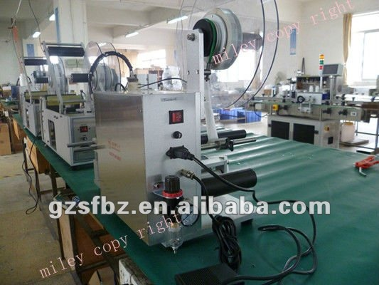 2012 hot sale square bottle self adhesive labeling machine manufacturing(M)(China (Mainland))