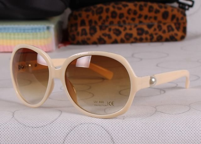 EC540 cream colour fashion Summer Sunglasses Super Star Women Brand Sunglasses With Pearl Design(China (Mainland))