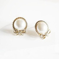 Foreign trade jewelry in Europe and the former ChanZhengPin atmospheric imitation pearl earring stud earrings