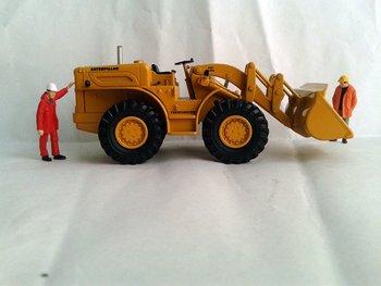 N-55232 1:50 CAT 966A Traxcavator  toy