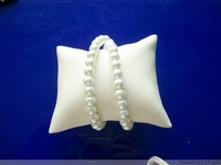 Free Shipping Best Price Jewelry Display Bracelet Pillow Watch Anklet Holder Square Pillow Display Watch Stand