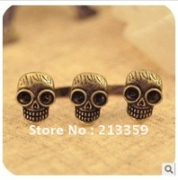 Free Shipping  for Vintage Bronze Cool Three Skull Skeleton Head Double Finger Ring