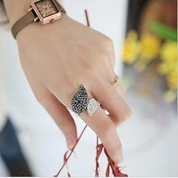 Min.order is $15 (mix order) Fashion Two-tone Rhinestone Leaf Finger Ring AQ0615 Golden/silvery
