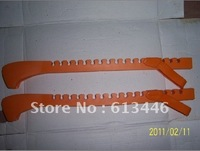 ICE SKATE BLADE GUARD (MIDDLE SIZE)