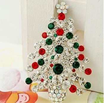 Wholesale Min order is $15,2012 New Crystal Christmas Tree Brooch Christmas Jewelry Ornaments Gifts, free shipping!