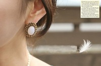 Restore ancient ways and colorful elliptic diamond stud earrings