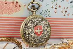 Vintage Switzerland Flag Design Cover Bronze Pocket Watch Skeleton Mechanical HQ Chain iw3068(China (Mainland))
