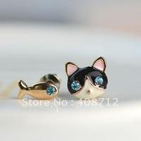 Free shipping Fashion Metal Earrings Small Cat Fish Stud Earring  RC38