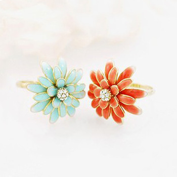 Min.order is $15 (mix order) Hl06604 exquisite accessories sweet elegant daisy chrysanthemum ring finger ring female 4g