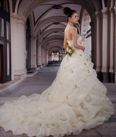 Free Shipping Train wedding dress 2013 luxury strap bow  tube top customize formal dress lace