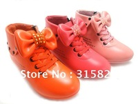 Free shipping 2012 new fashin autumn girls' leather shoes children cartoon shoes kid's flat with the shoes wholesale/retail