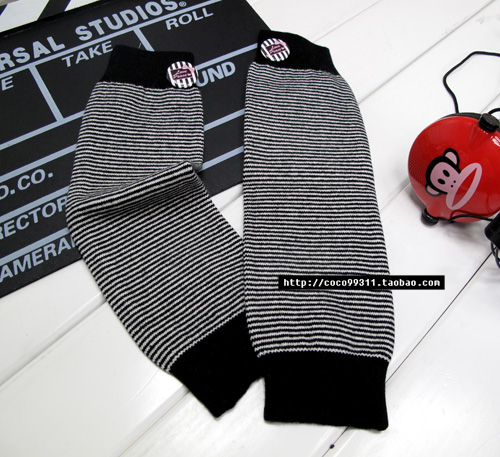 Autumn and winter product black and white fine stripe yarn knitted ankle sock(China (Mainland))