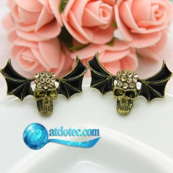 Min Order 12$ Fashion Jewelry Vintage Flying Skull Designed Rhinestone Stud Earrings Funny Retro Alloy Earring ES0231