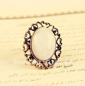 freeshipping Retro white color rhinestone ellipse ring fashion jewelry vintage cutout flower camellia  finger ring valentins