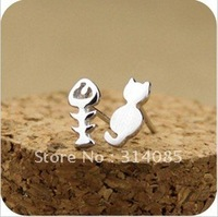Min.order is $15 (mix order)Koran fashion lovely cat and fish earring set  E067