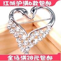 Xy037 2011 star accessories zirconium diamond love shaped brooch fine pin corsage