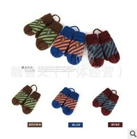 For boys and girls warm woolen gloves 3 color