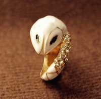 Min.order is $8 (mix order), Promotion Fashion Personlity Rhinestone Ring, Elegant White Enamel Snake Ring R063