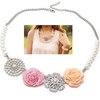 Free Shipping Fashion UK Style Accessorize Beautiful Rose Garden Ornament Imitation Pearl Necklace For Costume Jewelry FN1401