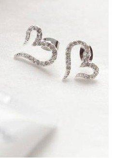 Min Order 15USD  Vintage The Heart Earrings  Fashion Jewelry D05439