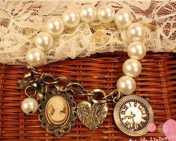 2013 New Arrival Hot Selling Bohemian Bronze heart Queen Pearl Vintage Bracelet Bangle B13