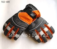 FREE SHIPMENT,Fashion mens ski gloves,winter sports gloves,with five fingers,free size for mens,cheap price and high quality
