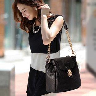 http://i00.i.aliimg.com/wsphoto/v0/675005310/2013-Fashion-Handbags-Bags-Women-Shoulder-Bags-Small-Black-Bag.jpg