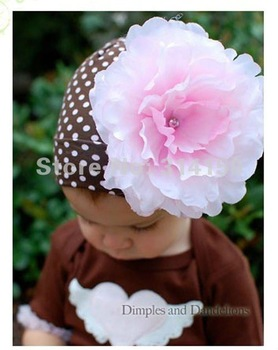 FREE SHIPPING---Christmas children hats kintted hats baby hats with beautiful pink  flowers dot design crochet caps 1pcs/lot