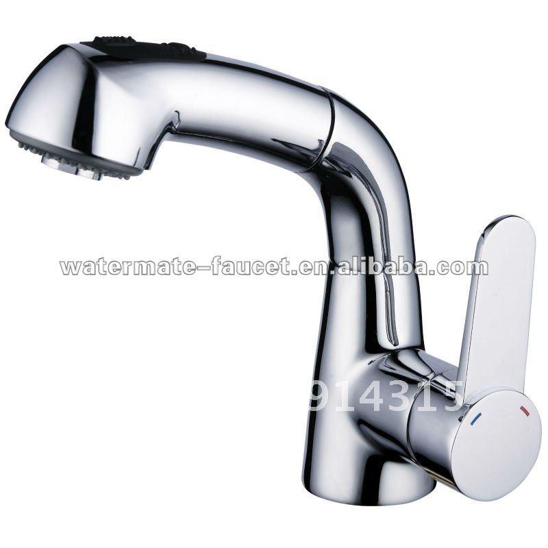Sink Sprayer : single-handle-pull-out-sprayer-bathroom-sink-faucet.jpg