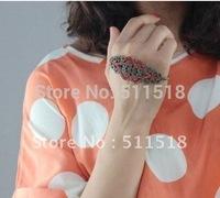 Wester top design bracelet SZ121101 vintage alloy palm hoop for women bangle free shipping
