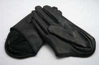Sexy City Women's halter style semi-palm Leather Gloves Size L black
