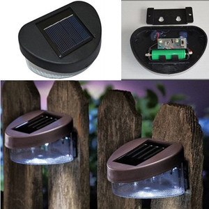Solar Powered Outdoor Garden Walkway Beautiful Wall LED Fence Light Lamp B611