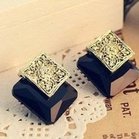 Min.order is $10 (mix order) 11B25  Fashion beautiful  three dimensional gem earrings jewelry wholesale free shipping