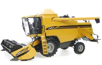 New arrival uh2663 challenger 645 combine harvester alloy model