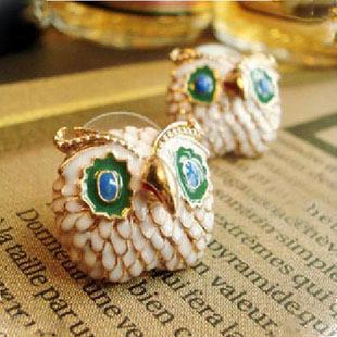 Min.order составляет $ 10 (заказ смешивания). Европа и США ювелирные изделия мило краска Большой Глаз Сова серьги.