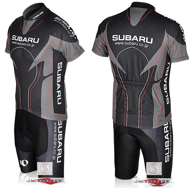 Subaru гоночной команды Джерси на велосипеде