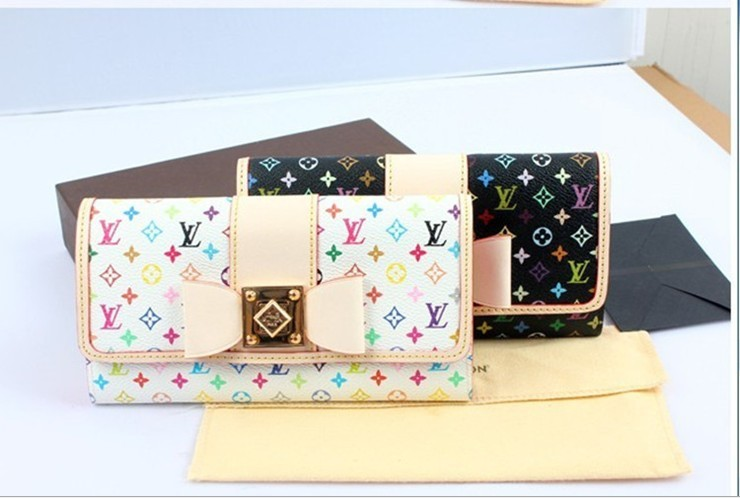 Free shipping, very fashion-long section of the printing emulation leather wallet, a single sale, 10 from the grant!