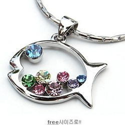 jewlery store N51 created diamond pendants rhinestone cutout dollarfish necklace (min order $10 mixed items order) jewelry(China (Mainland))