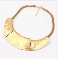 Колье, ожерелья, воротнички