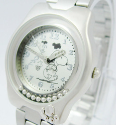 Lovely design Ladies Quartz Watch Cartoon dog Women&#39;s Steel Watch Fashion Sportl Watches for children C163W Free shipping(China (Mainland))