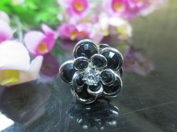Free Shipping Min Order $10(Mix Order) New Arrival Women Silver Plated Black Resin Crystal Rhinestone Flower-Shaped Ring Jewelry(China (Mainland))