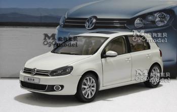 Dealer 1:18 VW Volkswagen Golf 6 TSI White car model - New year gift