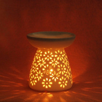White porcelain aromatherapy furnace aroma furnace incense burner flower essential oil candle