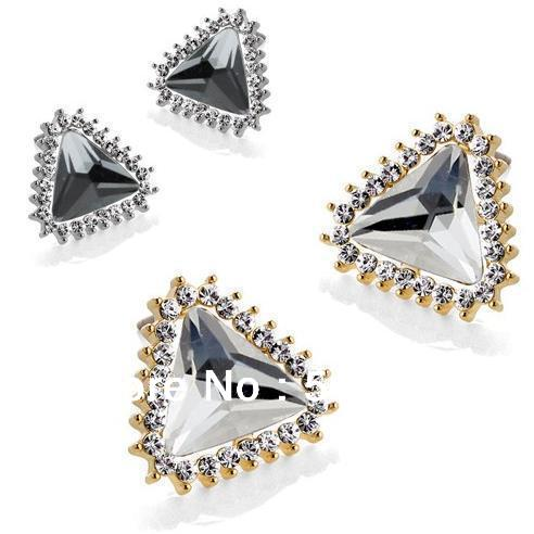 Elegant Triangle Crystal Stud Earrings Alloy with Austria Dazzling Jewelry for 2013 Spring Collection Free Shipping(China (Mainland))