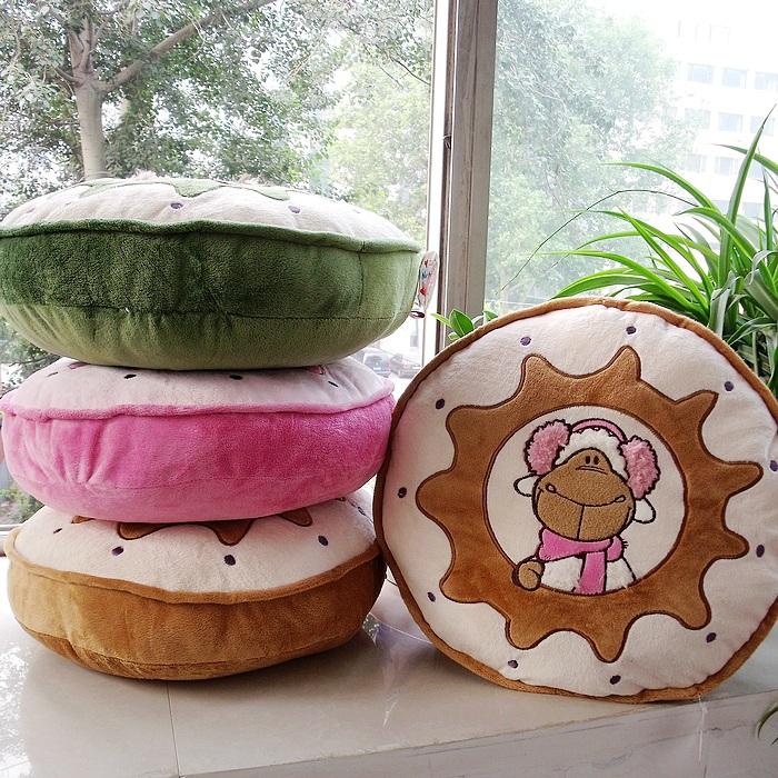 Lovers wool plush cartoon pillow Large sofa ofhead office cushion sierran pillow Support wholesale(China (Mainland))