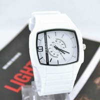 2013 NEW Mens sports watches Quartz Hours Plastic Men Women Silicone Watch Stylish Analog Wrist Watch White M707W