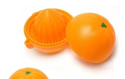 free shipping cute Orange Juicer can be used to extract the oranges, watermelon, lemon and other fruits juice(China (Mainland))