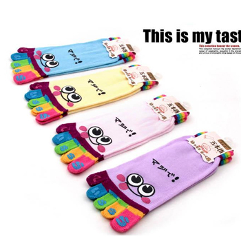 7818 Cartoon expression brief paragraph lovely cotton socks couples socks cartoon finger expression socks
