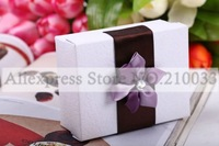 Factory Wholesale Ethnic Purple Elegante Flower Wedding Party Favors Candy Gifts Chocolate Pearl Embossed Lilac Boxes 30pcs