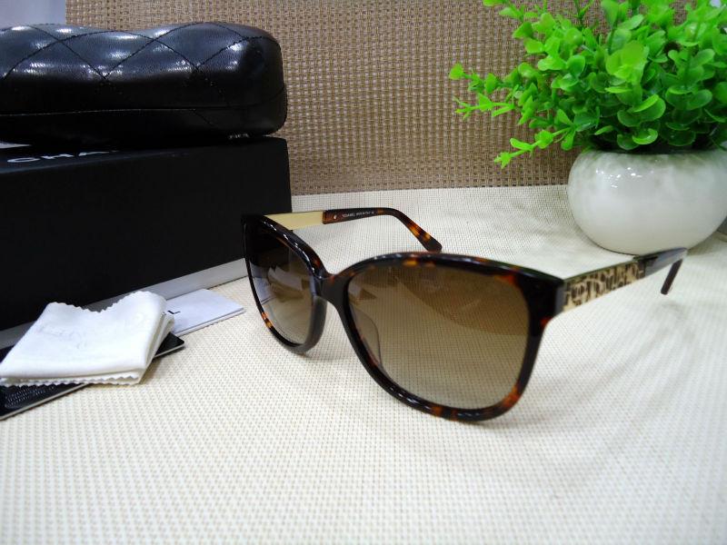 hot selling free shipping 5222 women sunglass brand high quality new model UV protection regular size(China (Mainland))